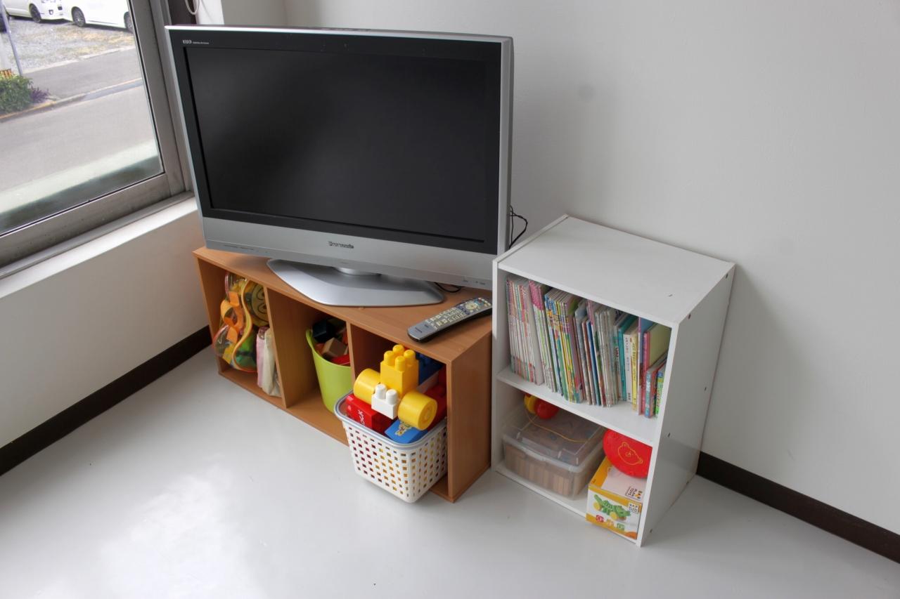 おもちゃ、テレビ